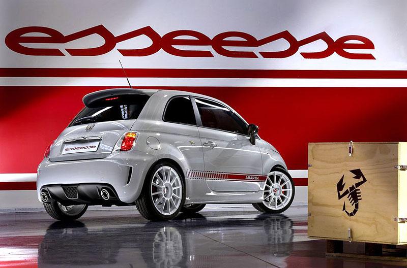 Paříž 2008 - Fiat 500 Abarth Esseesse - kompletní info: - fotka 22