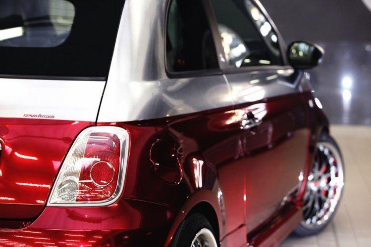 500C Abarth Anniversario:  Romeo Ferraris sobě: - fotka 7
