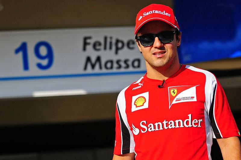 Felipe Massa za volantem Fiatu Linea: - fotka 5