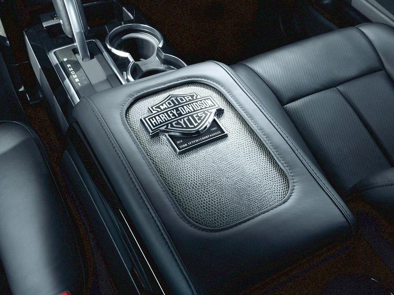 Ford F-150 Harley Davidson: Lifting pro rok 2012: - fotka 4