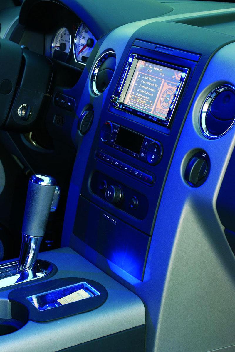 Magnat Ford F150: 20 tisíc Wattů ?!: - fotka 2