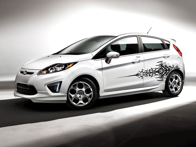Ford Fiesta po americku: bodykity a polepy: - fotka 2
