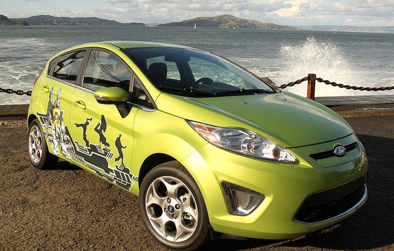 Ford Fiesta po americku: bodykity a polepy: - fotka 3