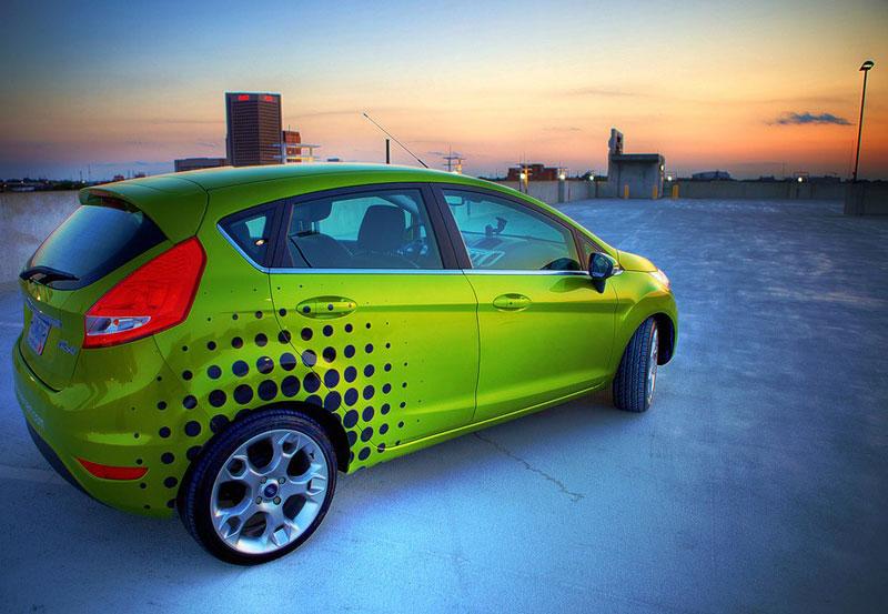 Ford Fiesta po americku: bodykity a polepy: - fotka 7