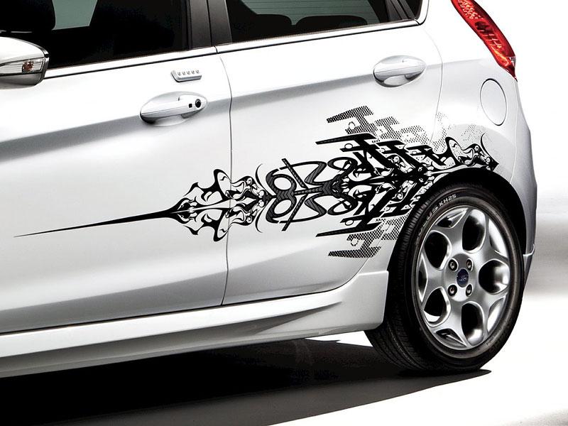 Ford Fiesta po americku: bodykity a polepy: - fotka 12
