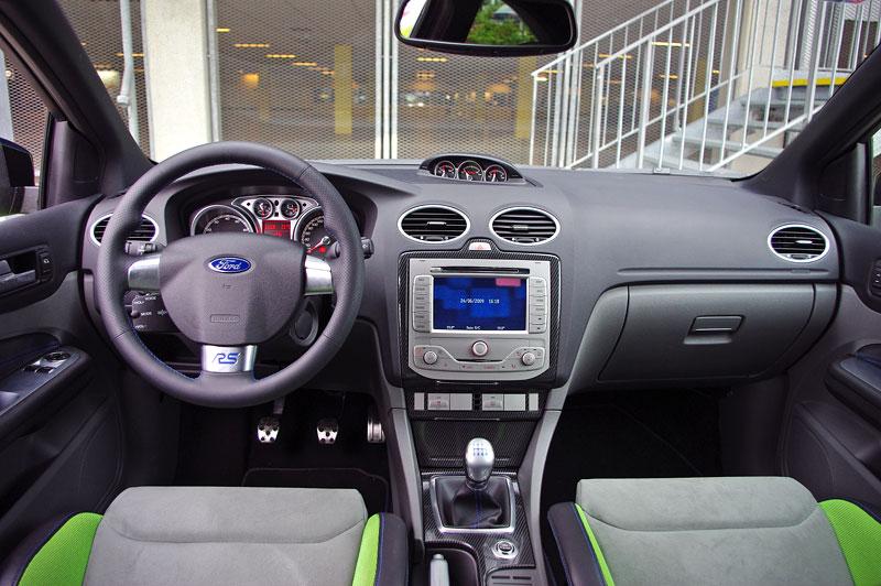 Ford Focus RS – namydlenej blesk: - fotka 4