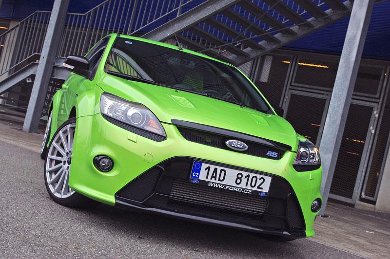 Ford Focus RS – namydlenej blesk: - fotka 15