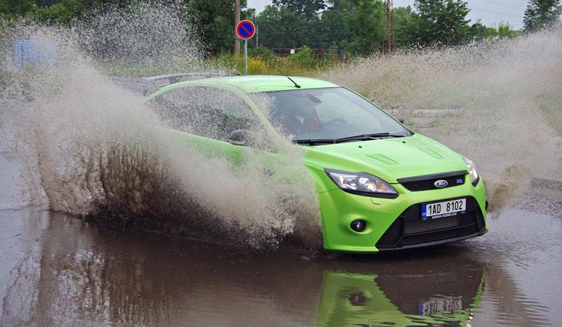Ford Focus RS – namydlenej blesk: - fotka 30
