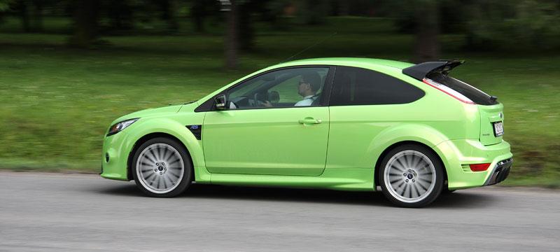 Ford Focus RS – namydlenej blesk: - fotka 38