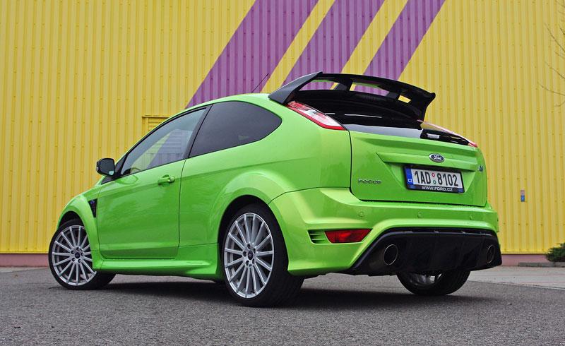 Ford Focus RS – namydlenej blesk: - fotka 42