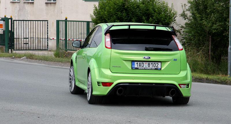 Ford Focus RS – namydlenej blesk: - fotka 52