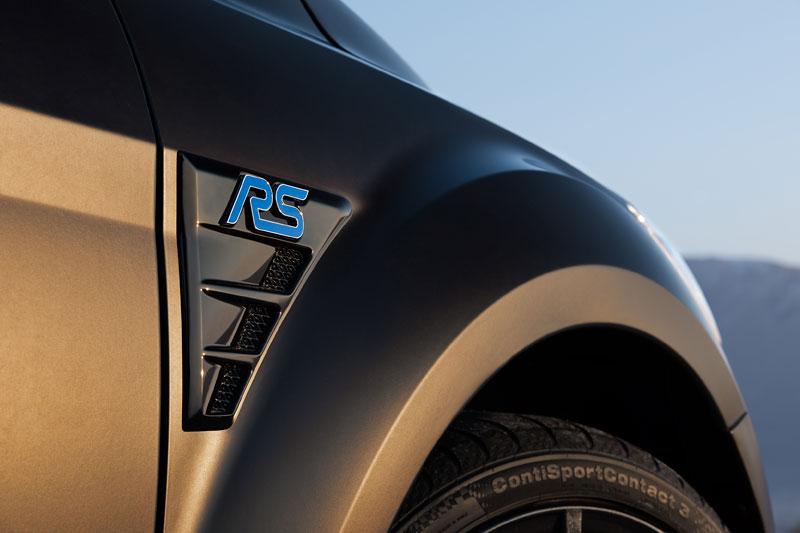 Ford Focus RS500: První vyrobený vůz míří do muzea: - fotka 21