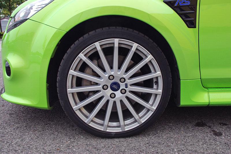 Ford Focus RS – namydlenej blesk: - fotka 61