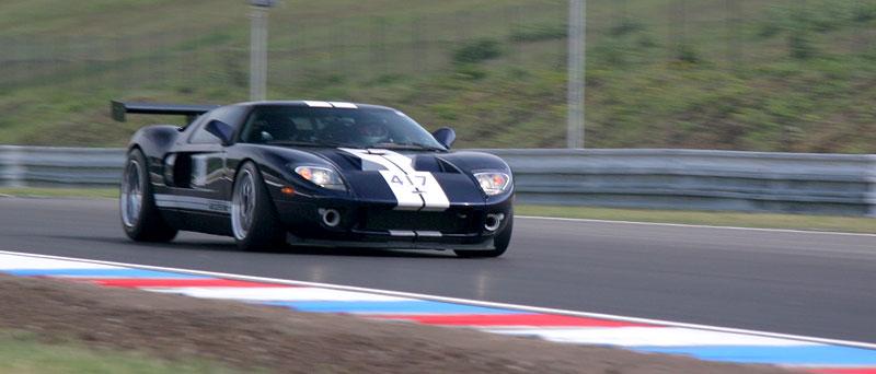 Klub sportovních aut pokřtil asfalt Automotodromu Brno: - fotka 43