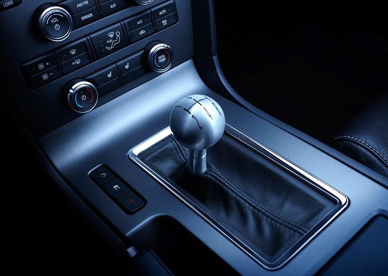 Ford Mustang 2010 - ještě vás to postupné odhalování baví?: - fotka 6