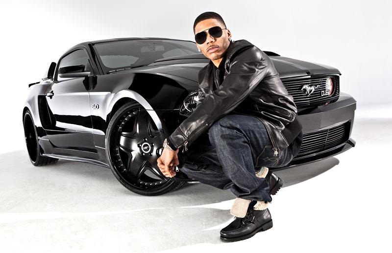 Rapper Nelly a jeho Mustang GT 2011: široký krasavec: - fotka 1