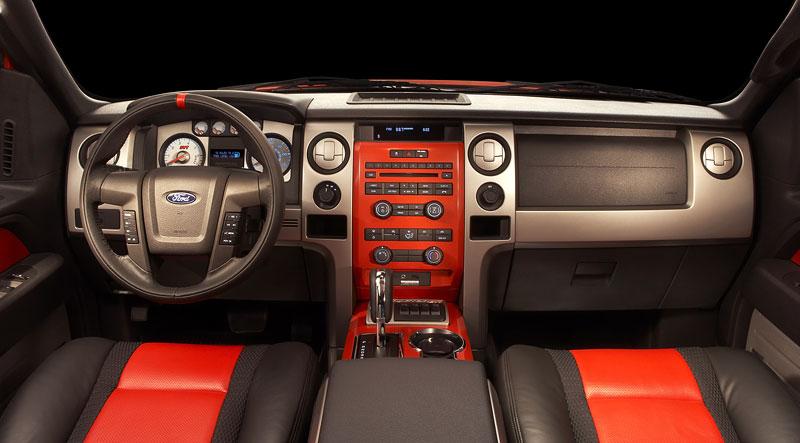 SEMA: Ford F-150 SVT Raptor: - fotka 2