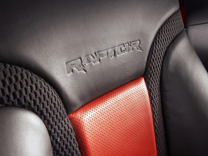 SEMA: Ford F-150 SVT Raptor: - fotka 6