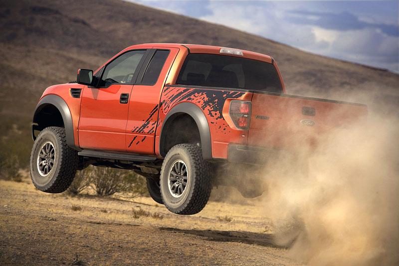 SEMA: Ford F-150 SVT Raptor: - fotka 23