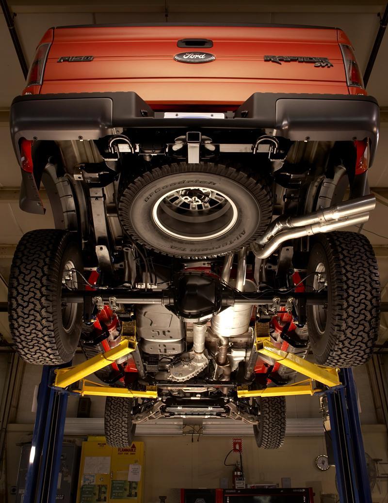 SEMA: Ford F-150 SVT Raptor: - fotka 28