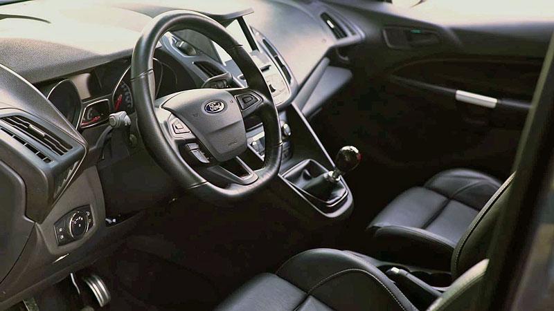 Víte, že existuje Fordy Transit Connect s technikou rychlých Focusů? Na sériovou výrobu to ale nevypadá: - fotka 6