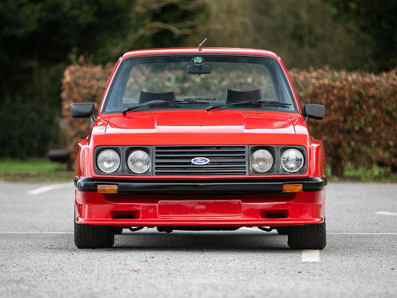 Na prodej je úžasný Ford Escort RS2000 X-Pack z roku 1977. Za 30 let nezměnil majitele: - fotka 4
