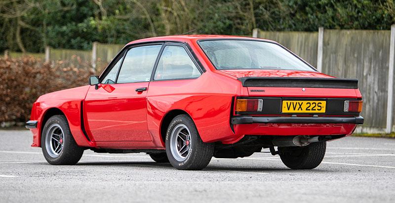 Na prodej je úžasný Ford Escort RS2000 X-Pack z roku 1977. Za 30 let nezměnil majitele: - fotka 7