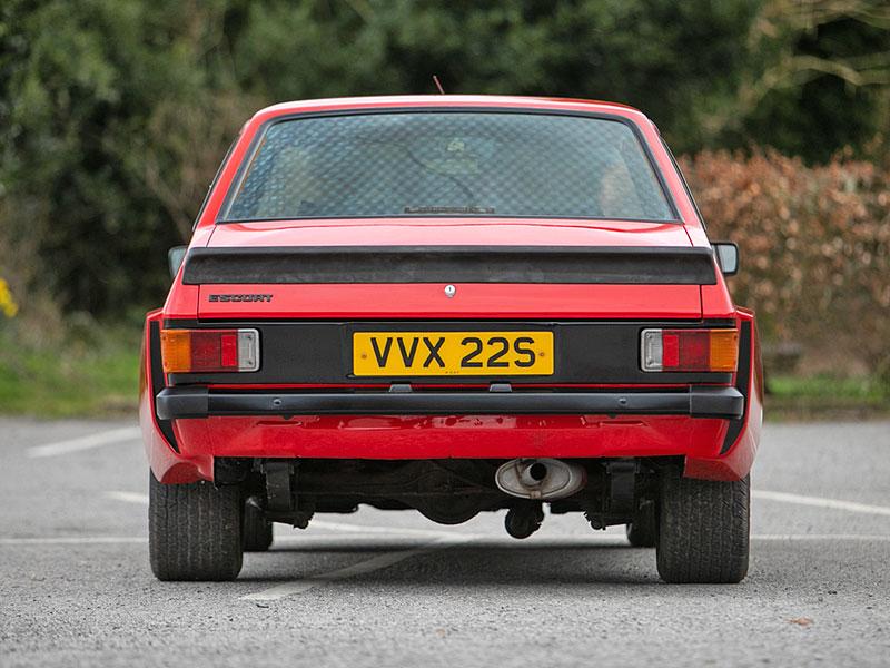 Na prodej je úžasný Ford Escort RS2000 X-Pack z roku 1977. Za 30 let nezměnil majitele: - fotka 8