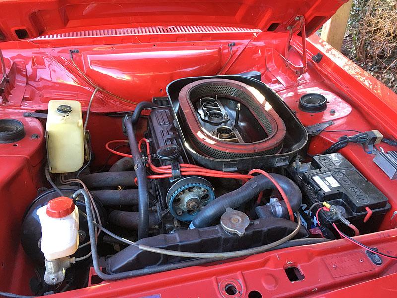 Na prodej je úžasný Ford Escort RS2000 X-Pack z roku 1977. Za 30 let nezměnil majitele: - fotka 10