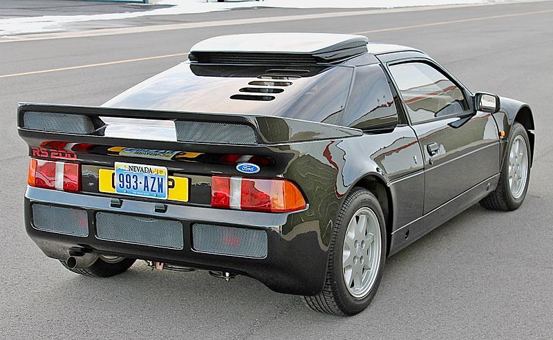 Jeden z 146 Fordů RS200, které smějí i na silnici, se prodal za víc než 6 milionů: - fotka 23