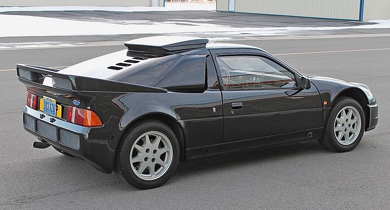 Jeden z 146 Fordů RS200, které smějí i na silnici, se prodal za víc než 6 milionů: - fotka 24
