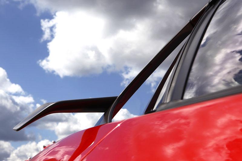 Ferrari 599XX: Massa za volantem (+video): - fotka 49