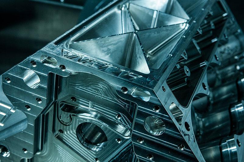 Firma Ginetta představila superauto. Má závodní techniku a bude hodně drahé: - fotka 19