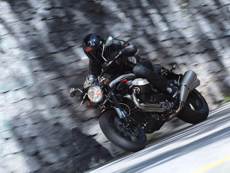 Moto Guzzi Griso 1200 8v: drsný italský naháč: - fotka 2