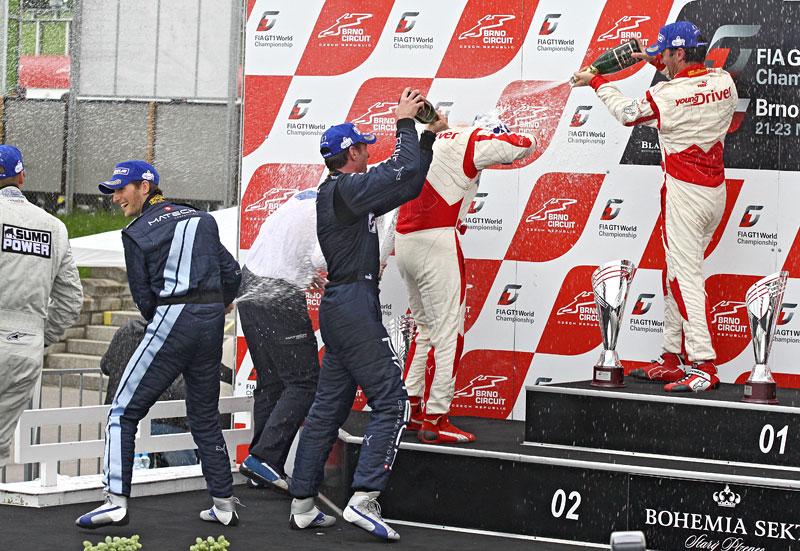 FIA GT1 v Brně: výsledky, velká galerie a povídání s Hansem Reiterem: - fotka 119