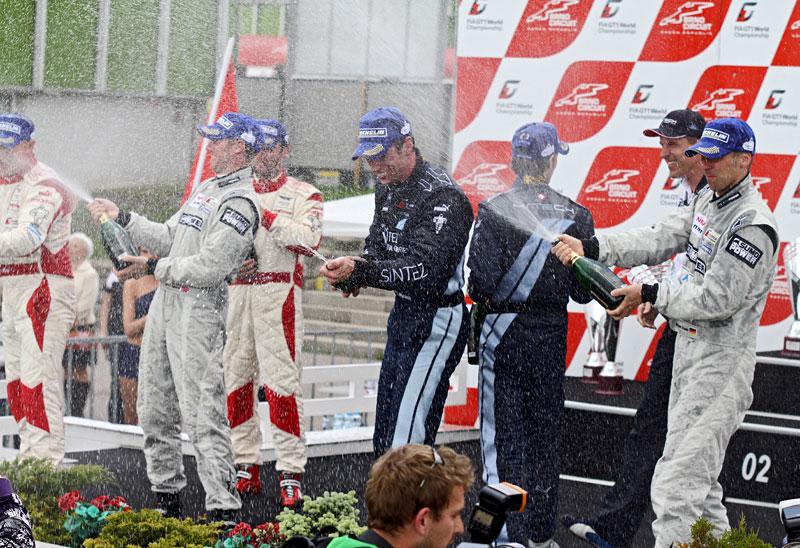 FIA GT1 v Brně: výsledky, velká galerie a povídání s Hansem Reiterem: - fotka 121