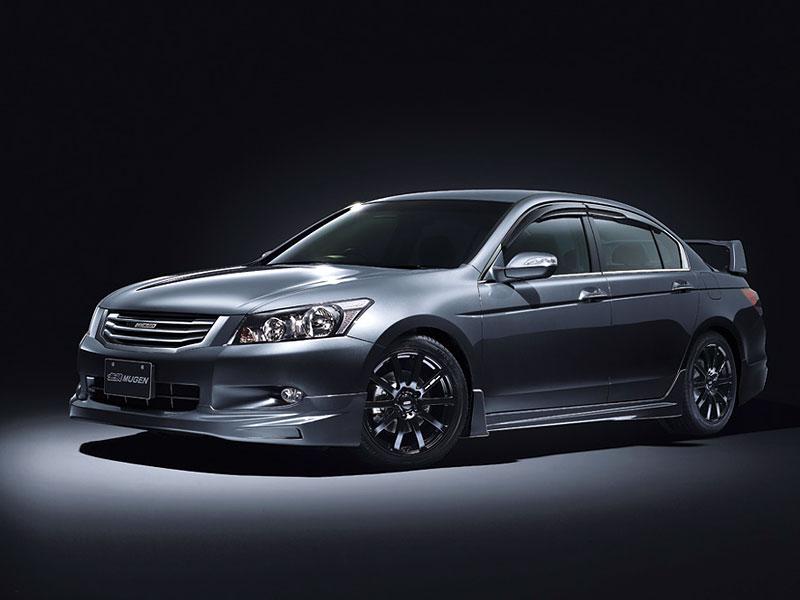 Honda Inspire Mugen: Polibek punku: - fotka 2