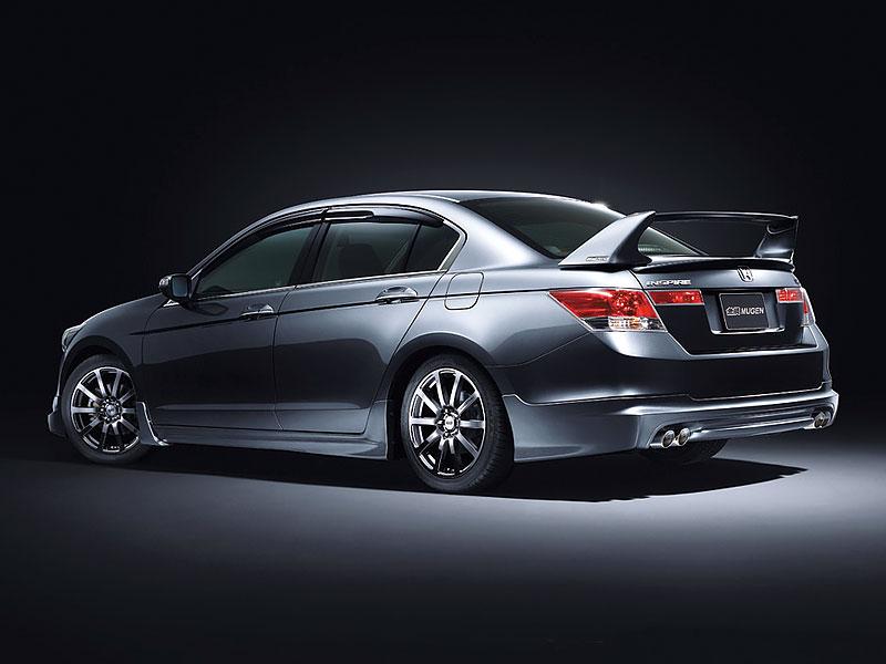 Honda Inspire Mugen: Polibek punku: - fotka 3