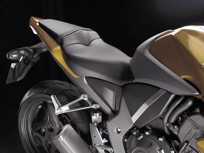Honda CB1000R: boj o krále streetfighterů začíná: - fotka 19