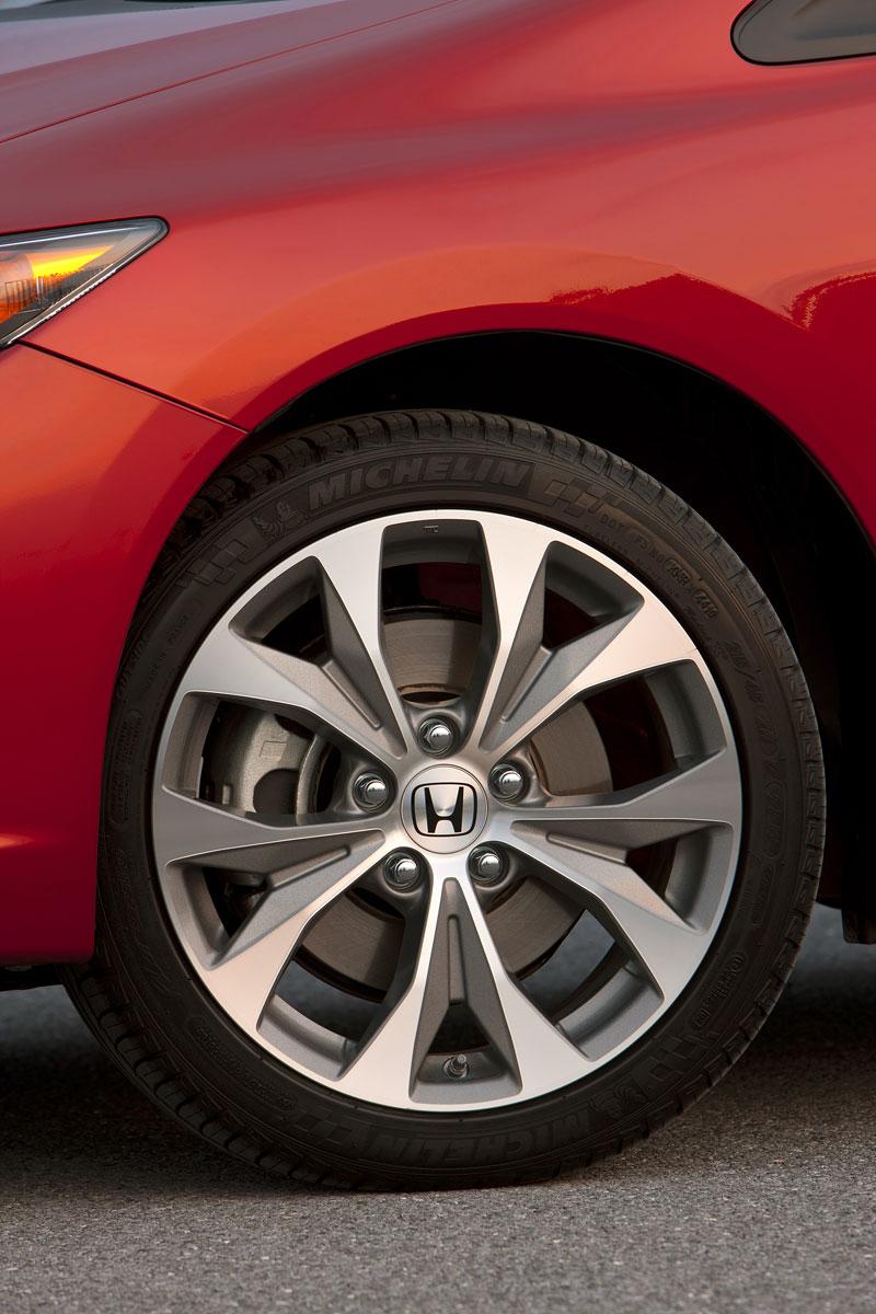 Honda Civic Si Coupe: ostrý civic pro Ameriku: - fotka 30