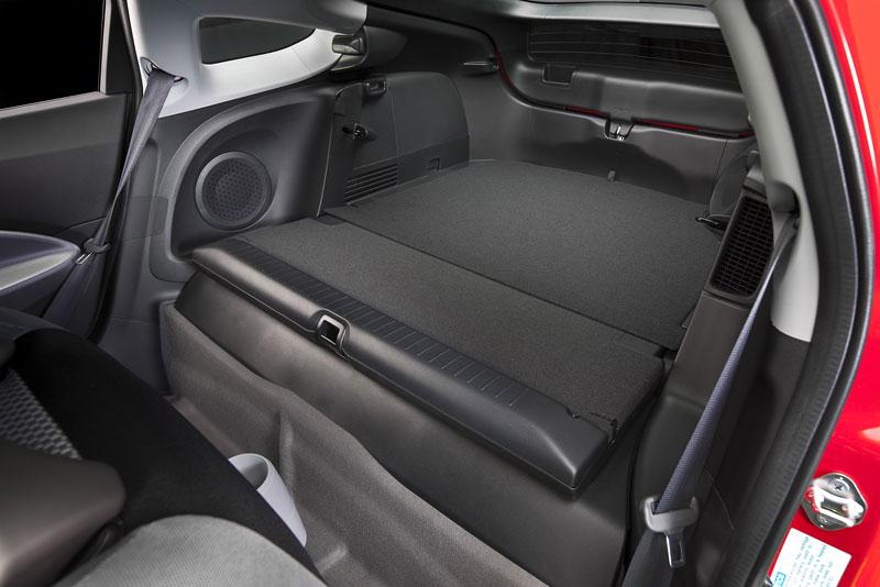Ženeva 2010 živě: Honda CR-Z: Návrat legendy: - fotka 21