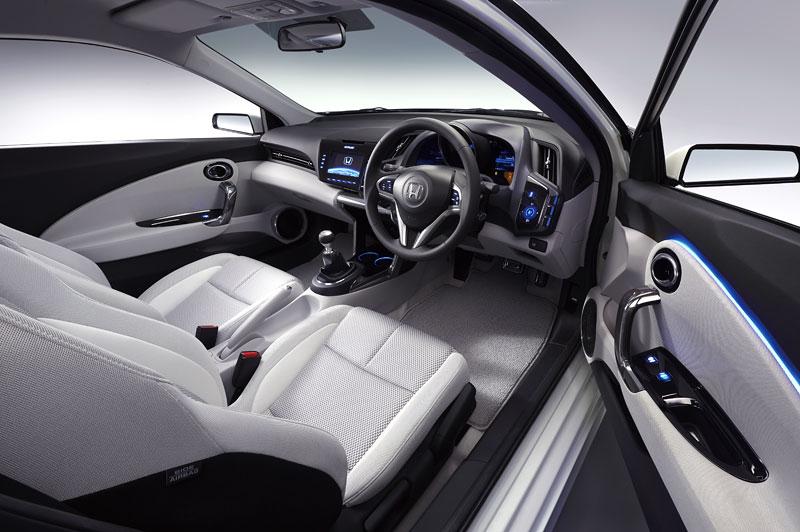 Tokio 2009: Honda CR-Z - manuální šestikvalt a motor 1.5: - fotka 3