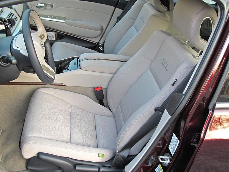 Za volantem: Honda FCX Clarity: - fotka 2