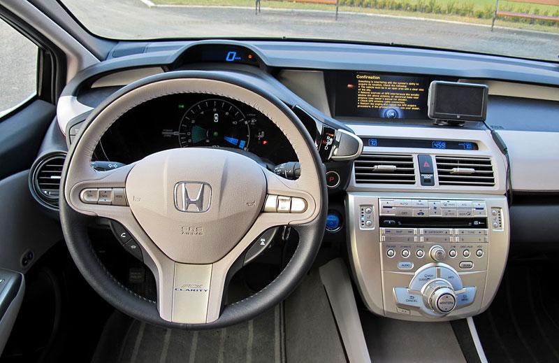 Za volantem: Honda FCX Clarity: - fotka 5