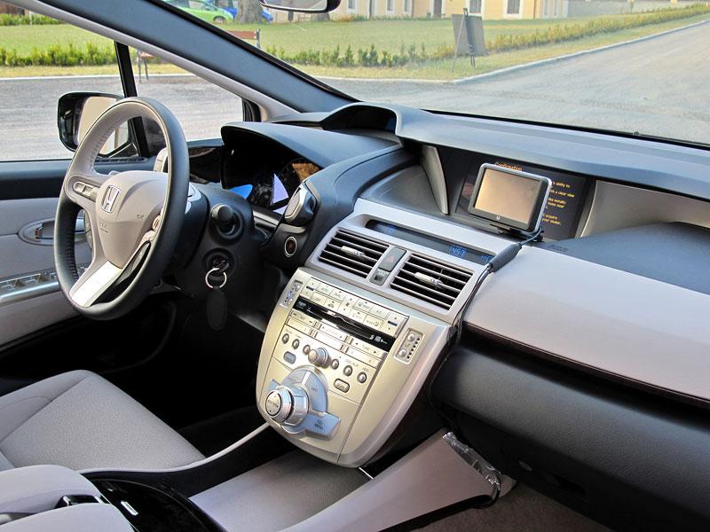 Za volantem: Honda FCX Clarity: - fotka 7