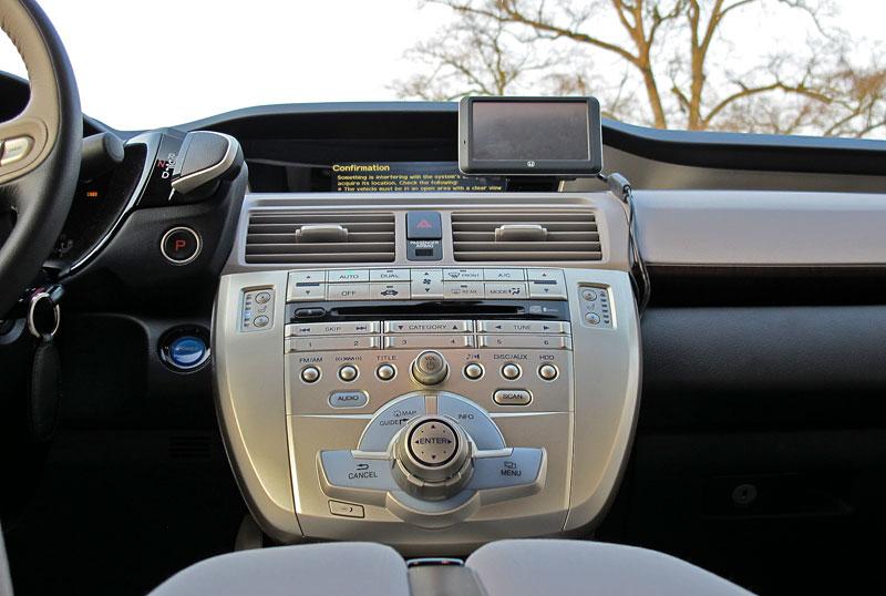 Za volantem: Honda FCX Clarity: - fotka 9