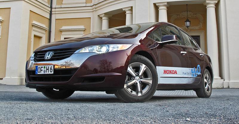 Za volantem: Honda FCX Clarity: - fotka 14