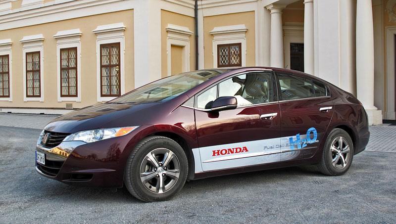 Za volantem: Honda FCX Clarity: - fotka 17