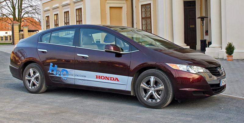 Za volantem: Honda FCX Clarity: - fotka 19