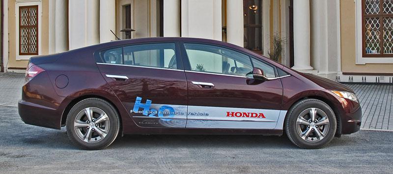 Za volantem: Honda FCX Clarity: - fotka 20